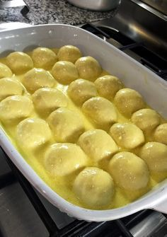 Sosunun icinde pisen ve mukemmel bir lezzete sahip olan bu nemli ekmegi dilersen… You can fill and cook the dough Albanian Recipes, Turkish Recipes, Bread And Pastries, Island Bakery, Tasty, Yummy Food, Food Words, Breakfast Items, Homemade Desserts