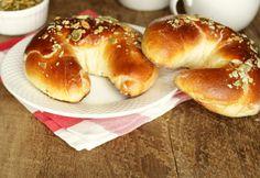 Marzipan-Butterkipferln Foto: A. Marzipan, Bagel, Allrecipes, Snacks, Rolls, Bread, Food, Play Dough, Oven