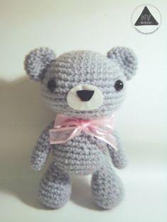 Gray the Bear - Free Amigurumi Pattern and Videotutorials here: http://nvkatherine.deviantart.com/art/Gray-the-Bear-amigurumi-FREE-PATTERN-TUTORIAL-448373693