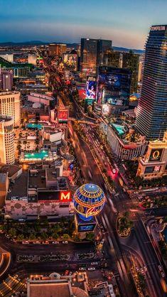View of the Las Vegas strip from the Eifell Tower at Paris Las Vegas Paris Las Vegas, Las Vegas City, Las Vegas Hotels, Las Vegas Nevada, Edc Las Vegas, Las Vegas Apartments, Las Vegas Vacation, Vacation Spots, Vacation Websites
