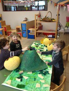 """Welkom in ons kleuterklasje! : Thema: """"De wereld van de dinosaurussen!"""" (Deel 2) Dinosaur Theme Preschool, Dinosaur Activities, Toddler Activities, Preschool Activities, Dino Craft, Dinosaur Projects, Classroom Fun, Animation, Art For Kids"""
