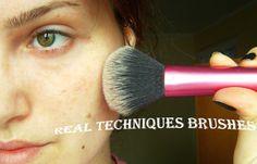 Frumusete la minut!: Merita?Pensule Real Techniques/Is it worth the hyp...http://makeupstuff-dendy.blogspot.ro/2014/10/meritapensule-real-techniquesis-it.html