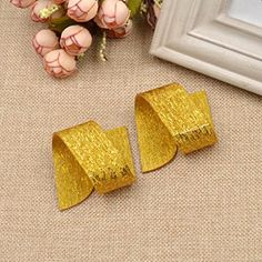 Amazon.com: Irregular Acrylic Napkin Rings Gold Silver Lines Serviette Holder Banquet Dinner Decor 2 Pcs: Home & Kitchen