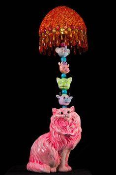Slightly scary kitsch, the best kind. Kitsch Art, Kitsch Decor, Estilo Kitsch, Cat Lamp, My New Room, Decoration, Bunt, Retro Vintage, Vintage Lamps