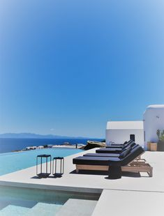 Kalesma, the new luxurious boutique hotel in Mykonos you should check out Athens Restaurants, Local Eatery, Mykonos Hotels, Greek Design, Hot Beach, Workout Rooms, Minimalist Interior, Island Life