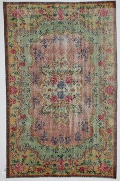 Green and Rose Medallion Floral Vintage Turkish Rug by bazaarbayar