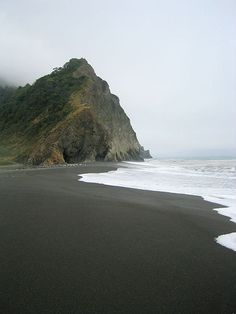 Black sand beach, Sinkyone State Wilderness, Lost Coast in Northern California