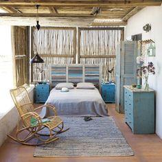 yazlik ev yatak odasi dekorasyonu fikirleri mobilya renkler mavi eskitme