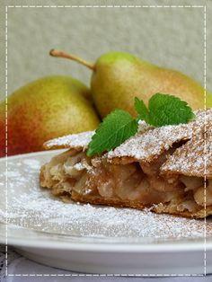 Kouzlo mého domova: Hruškovo - jablečný závin Strudel, Baking, Fruit, Desserts, Food, Tailgate Desserts, Deserts, Bakken, Essen