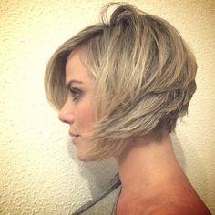 Corte cabelo curto.