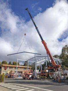 Dixons Crane Service offers mobile crane and operator hire and has been servicing the Sydney area since Sydney Area, Crane Construction, Flexibility, Back Walkover