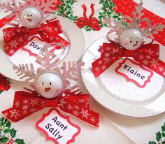 DIY holiday place setting favors Homemade Christmas, Diy Christmas Gifts, Holiday Crafts, Holiday Fun, Christmas Crafts, Christmas Decorations, Christmas Place, Holiday Decorating, Christmas Stuff