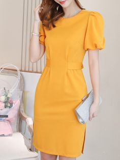 Round Neck Plain Lantern Sleeve Bodycon Dress the latest fashion & trends in women's collection. Polka Dot Bodycon Dresses, Bodycon Dress With Sleeves, Short Sleeve Dresses, Look Fashion, Womens Fashion, Latest Fashion, Fashion Tips, Dress Silhouette, Simple Dresses