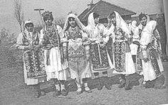 Lazarice , Rusenički Podgor Više o običaju na http://musutiste.forums.lu/t11-topic. Serbia
