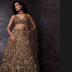 Pin-Worthy Bridal Colors 2020 For A Glamorous And Bold Look! - - These Bridal Colors 2020 Will Make Your Look Even More Appealing And Stunning. For more such bridal information, stay tuned with shaadiwish. Pakistani Bridal Dresses, Bridal Lehenga, Indian Dresses, Indian Outfits, Indian Attire, Indian Wear, Maxi Dress Wedding, White Wedding Dresses, Blue Bridal