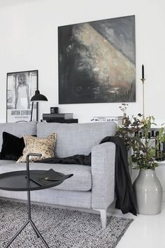 monochrome living ro