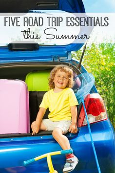 Heading on a road trip with your kids this summer? Five great road trip tips to help your travel with kids be as smooth as possible. Love the prize box idea! Road Trip Activities, Road Trip Snacks, Summer Activities For Kids, Travel Snacks, Travel With Kids, Family Travel, Road Trip Essentials, Family Road Trips, Vacation Trips
