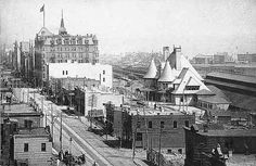 Superior Street; note Union Depot and Spalding Hotel, Duluth.