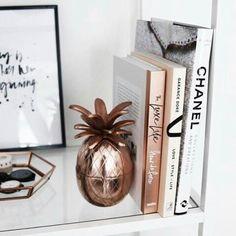 Inspo 🍍 #leatherfeather #chanel #books #rose #gold #homedeco #inspiration #style #decoration #houseinspo #design #detail #fashionaddict #fashionblogger #instabeauty #beauty #mua #musthave #girlstuff #glamour #follow #followus #followme #monochrome #luxury #igdaily #picoftheday #webstagram #webshop #iloveit