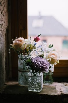 Lace Jar Flowers Purple Blush Roses Indie Intimate Fun Peak District Farm Outdoor Wedding http://www.chrisbarberphotography.co.uk/