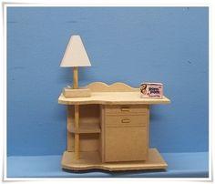 Miniatura feita em mdf, para decoração de cenario/roombox ou casa de boneca.    PRAZO DE ENVIO ATÉ 12 DIAS ÚTEIS DA CONFIRMAÇÃO DO PGTO. R$ 4,41