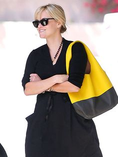 I love this bag!  Reece Witherspoon  www.people.com