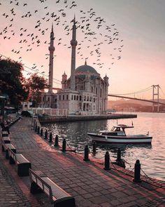 Travel Checklist For Women Dubai - Travel Istanbul City, Istanbul Travel, Mekka Islam, Travel Around The World, Around The Worlds, Mosque Architecture, Beautiful Mosques, Dubai City, Turkey Travel