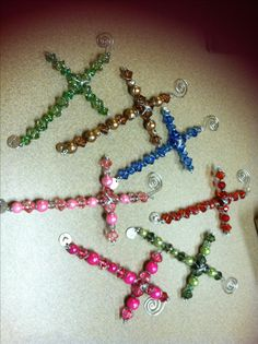 beaded crosses wrapped with wire Vbs Crafts, Wire Crafts, Bead Crafts, Jewelry Crafts, Beaded Angels, Beaded Cross, Jewelry Patterns, Beading Patterns, Faith Crafts
