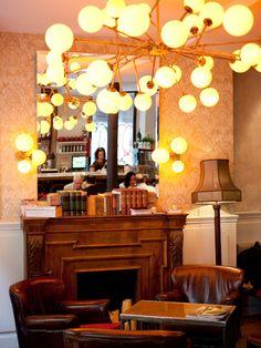 🇪🇸 Elsa y Fred Barcelona Elsa, Ceiling Lights, Interior Design, Mirror, Lighting, Chandeliers, Restaurants, Places, Home Decor