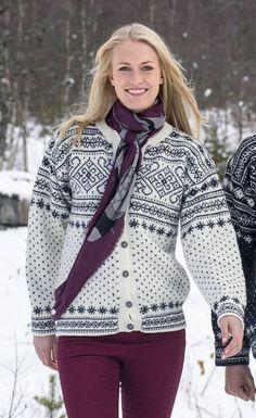 Sirdalskofte Knitting Paterns, Knitting Charts, Lace Knitting, Knitting Stitches, Knit Crochet, Norwegian Knitting Designs, Fair Isle Pattern, Fair Isle Knitting, Knit Fashion
