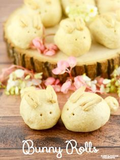 Bunny Rolls!  A fun Easter roll idea.