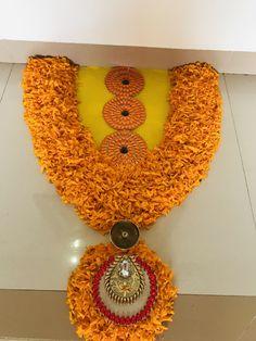 New flowers red art beautiful ideas Rangoli Designs Flower, Rangoli Ideas, Rangoli Designs Diwali, Flower Rangoli, Beautiful Rangoli Designs, Flower Designs, Rangoli Patterns, Home Wedding Decorations, Diwali Decorations