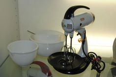 Vintage 1940s Sunbeam Mixmaster Model 9 Mixer Machine & Bowl Set w/ Juicer Top