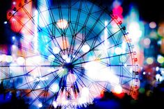 「光りに包まれた観覧車(フォトモンタージュ)光りに包まれた観覧車(フォトモンタージュ)」のフリー写真素材 #写真 #素材 #photos