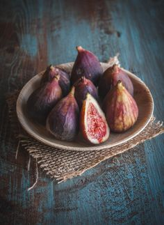 Fresh-Figs. Photo by sweetphi.com.  Background created by ericksonwoodworks.com.