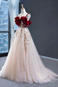 Straps Prom Dresses, Tulle Prom Dress, Ball Dresses, Ball Gowns, Wedding Dresses, Tulle Lace, Designer Dresses For Wedding, Red Gown Prom, Vintage Prom Dresses