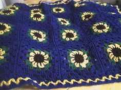 Sunflower Lap-Ghan By Deb's Crafts - Free Crochet Pattern - (debscrafts55.blogspot)