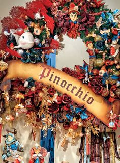 Pinocchio collection by Goodwill Belgium Christmas Story Books, Christmas Holidays, Christmas Wreaths, Christmas Crafts, Xmas, Tree Decorations, Christmas Decorations, Office Decorations, Holiday Decor