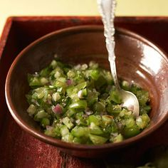Have you been thinking about making salsa at home? Read on to learn how to whip up a batch of homemade salsa to enjoy your garden-fresh veggies, fruits, and herbs. Whether you like it spicy or mild, there's a salsa recipe for you. Popular Mexican Food, Mexican Food Recipes, Healthy Recipes, Ethnic Recipes, Healthy Food, Appetizer Dips, Appetizer Recipes, Snack Recipes, Fresh Salsa Recipe