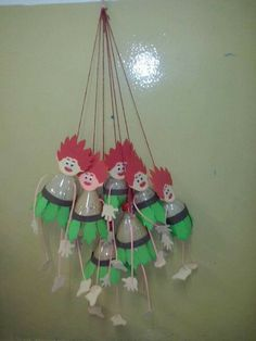Kids Crafts, Preschool Crafts, Diy And Crafts, Arts And Crafts, Plastic Bottle Crafts, Recycle Plastic Bottles, Recycled Toys, Construction Paper Crafts, Puppet Crafts
