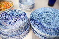 pretty vintage plates... I love the blue & white dishware. =)