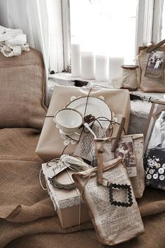 Romantiska Hem - beautiful gift wrapping ideas in creamy whites, neutrals, browns. Wrapping Ideas, Present Wrapping, Creative Gift Wrapping, Creative Gifts, Paper Wrapping, Diy Gifts, Handmade Gifts, Wrap Gifts, Gift Wraping