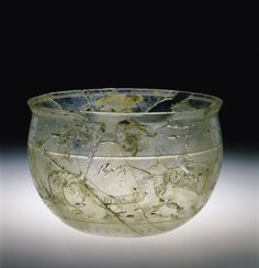 Ancient Roman Bowl with Sea Creatures Clear Glass Vases, Glass Art, Ancient Mesopotamia, Ancient Civilizations, Corning Museum Of Glass, Roman Art, Ancient Artifacts, Glass Containers, Ancient Rome