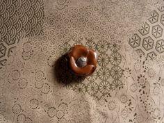 """高肉打ち出し帯留め金具:椿  販売価格 32,000円  材料: 銅、銀  ご購入を希望される場合はContact欄を参照の上、  メールにてご連絡ください。  Japanese Kimono Accessory """"Obidome"""" : Camellia  It is used the Japanese Traditional Metal Work's Technique.  Price : 32,000 yen (270 US$)  On the see Contact section if you would like to purchase ,  please contact us by e-mail.  Material: Copper, Silver."""