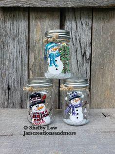 Mason Jar Christmas Decorations, Christmas Mason Jars, Snowman Decorations, Patriotic Decorations, Christmas Crafts, Christmas Displays, Christmas Time, Christmas Ideas, Christmas Ornaments