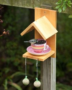 Bird Feeder Crafts | ... Pires e xicara alimentador de passaros - Cup and saucer bird feeders