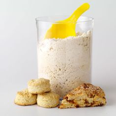 Biscuit Baking Mix - Use these homemade baking mix recipes, including biscuit mix, muffin mix and brownie mix, instead of store-bought baking mixes. Scones, Bread Recipes, Baking Recipes, Amish Recipes, Copycat Recipes, Devon, Biscuit Mix, Homemade Spices, Homemade Seasonings