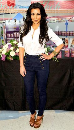 .not the biggest fan of her, but love her outfit.  And she's curvy so hopefully that means this will work for me.