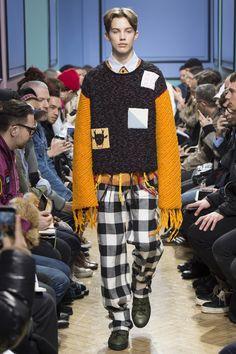 J.W.Anderson Fall 2017 Menswear Fashion Show