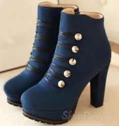 Tendance & idée Chaussures Femme Description Retro Platform Chunky Heels Ankle Boots with Buttons - LOVE THEM! I know a couple things I could Chunky Heel Ankle Boots, Chunky Heels, Heeled Boots, Bootie Boots, Shoe Boots, Shoes Heels, Ankle Booties, Boot Heels, Pretty Shoes